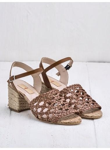 Elle Sandalet Renksiz